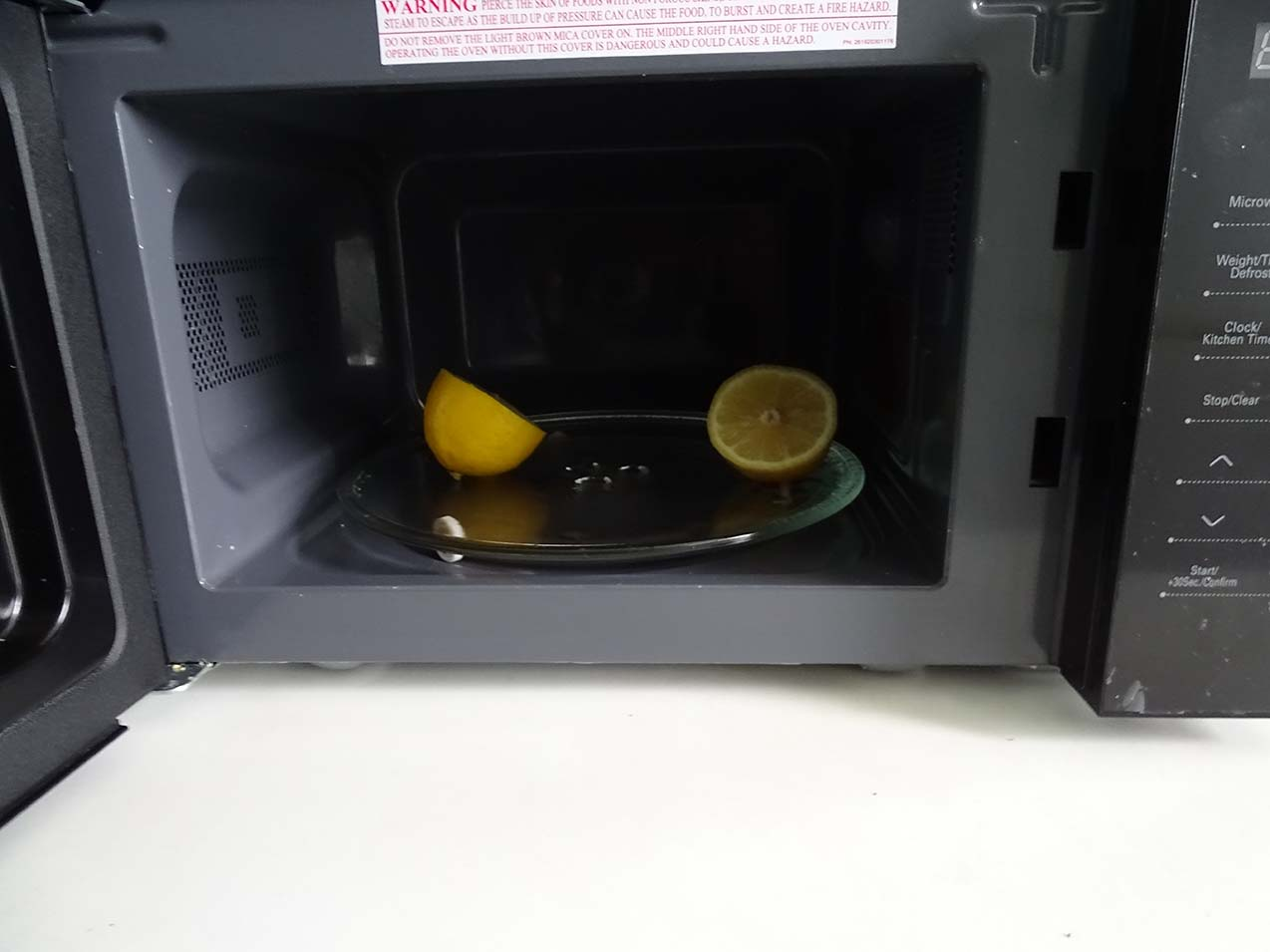 how to clean microwave oven with lemon