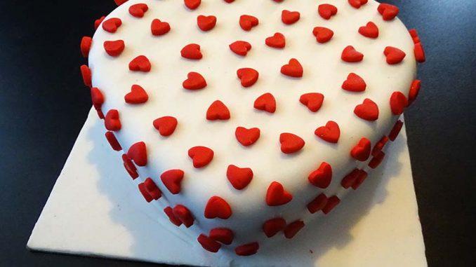 Tutorial Sugarcraft Of Shape Cake And Punch Shape Fondant