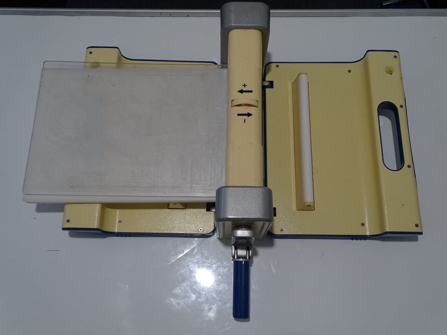 embossing-and-die-cutting-machine-manual-version-image-2