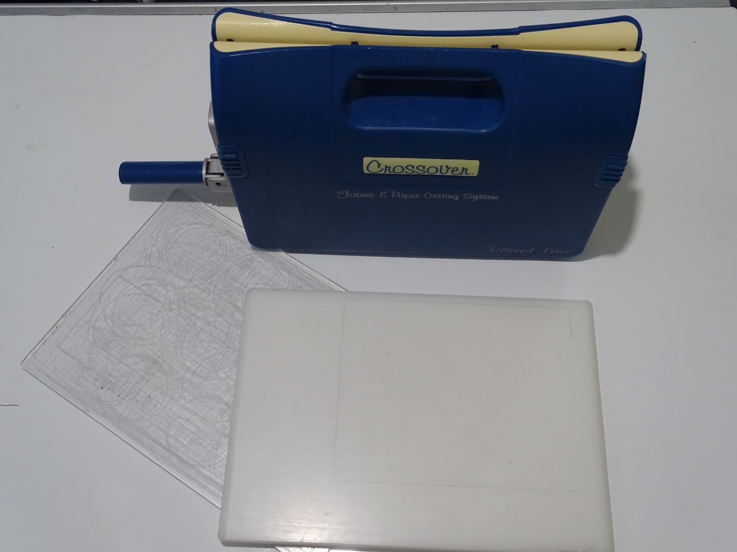 embossing-and-die-cutting-machine-manual-version